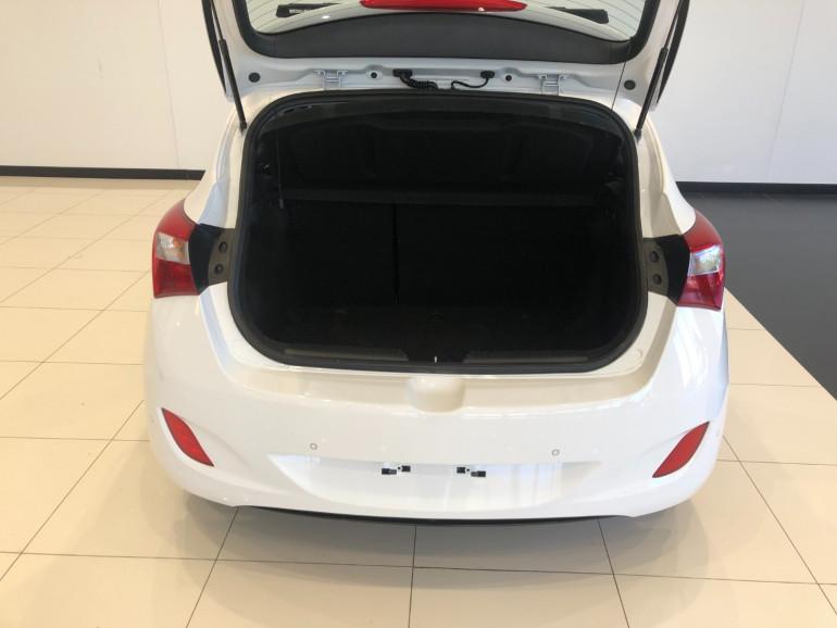 2016 Hyundai i30 GD3 Series II Active Hatchback Image 14