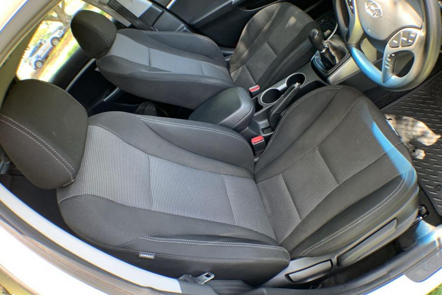 2013 Hyundai I30 GD Active Hatch Image 6
