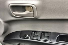 2013 MY14 Mitsubishi Triton MN MY14 GLX Dual cab Image 4