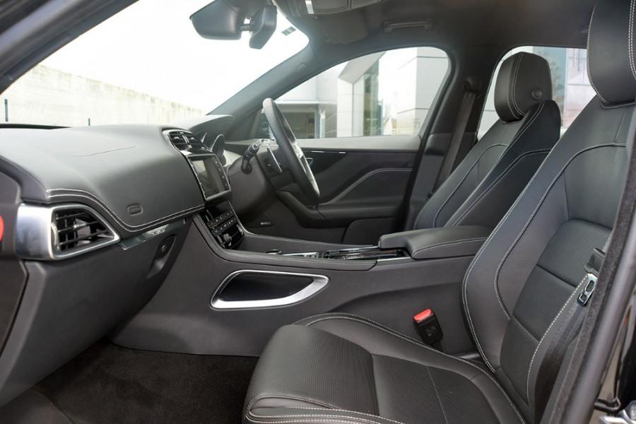 2017 MY18 Jaguar F-pace X761 MY18 20d Suv Image 3