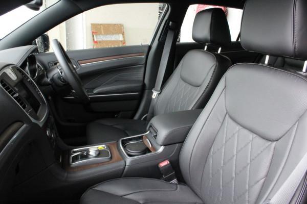 2020 MY19 Chrysler 300 LX C Luxury Sedan Image 4