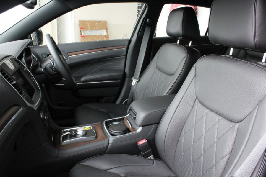 2020 MY19 Chrysler 300 LX C Luxury Sedan