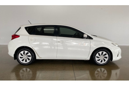 2013 Toyota Corolla ZRE182R ASCENT Hatch Image 2