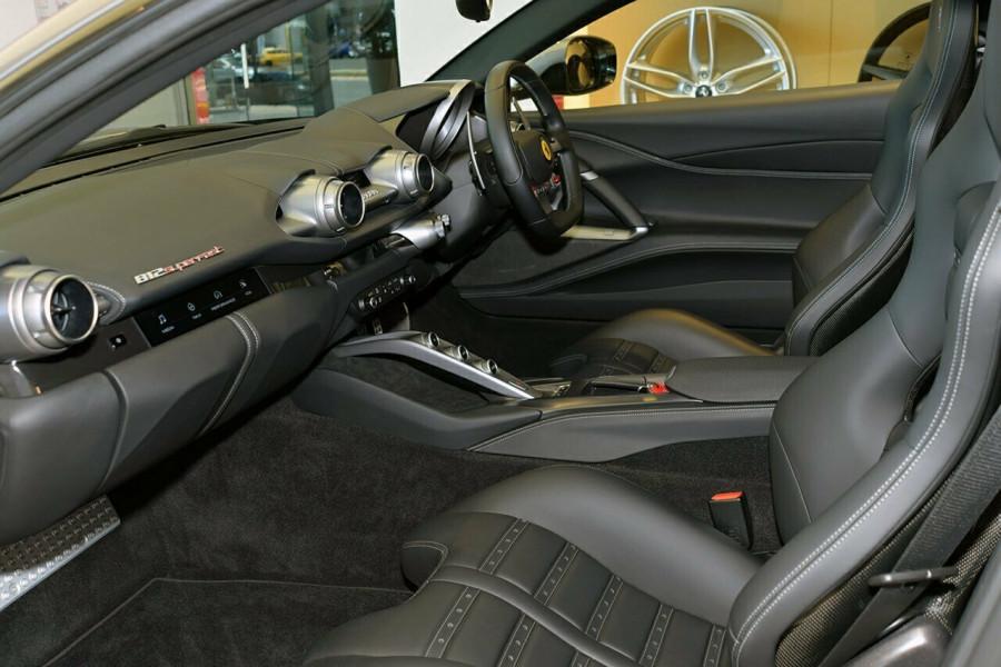 2017 Ferrari 812 Superfast F152M F152M Coupe Mobile Image 10