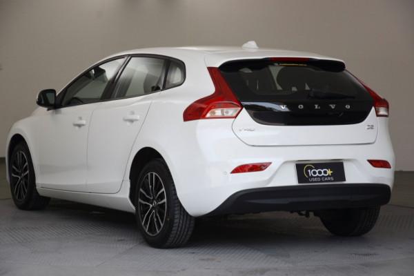 2016 Volvo V40 Vehicle Description. M  MY16 D2 Kinetic HBK AGT 6sp 2.0DT D2 Hatchback Image 3