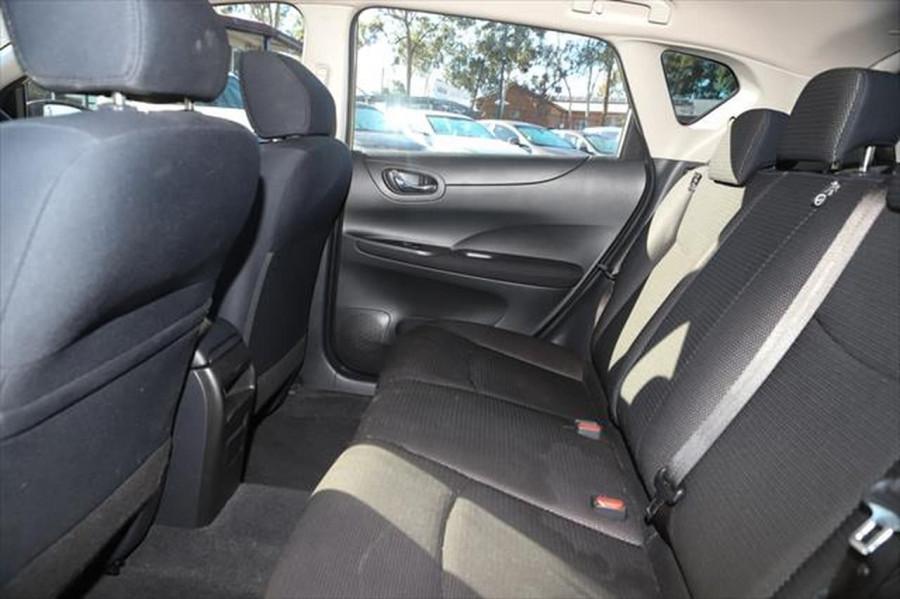 2014 Nissan Pulsar C12 ST Hatchback Image 11