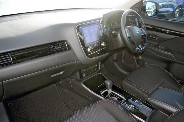2020 Mitsubishi Outlander ZL MY20 ES Suv Image 8