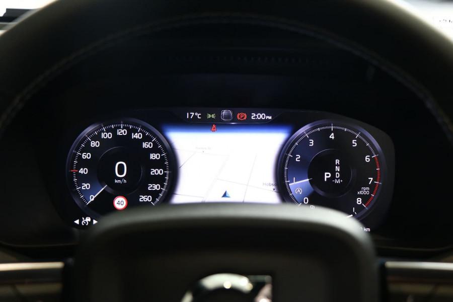 2021 Volvo XC40 XZ T5 R-Design Suv Image 7