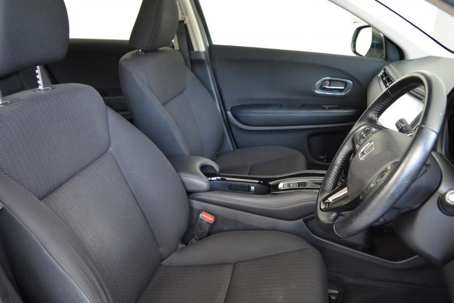 2016 Honda HR-V VTi-S Hatchback Image 14