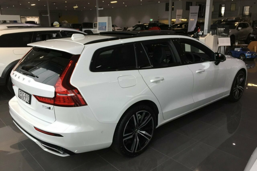 2019 MY20 Volvo V60 Z Series MY20 T5 Geartronic AWD R-Design Wagon Mobile Image 2
