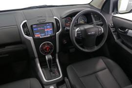 2019 Isuzu UTE D-MAX LS-T Crew Cab Ute 4x4 Utility Image 5