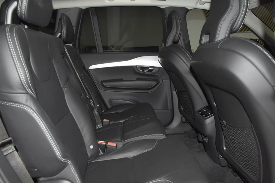 2019 Volvo XC90 (No Series) MY19 D5 Momentum Suv Mobile Image 8