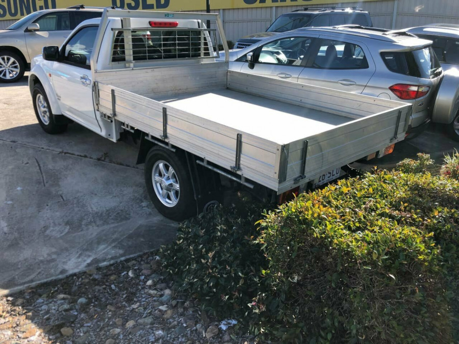 2010 Great Wall V240 K2 (4x4) Cab chassis Image 3