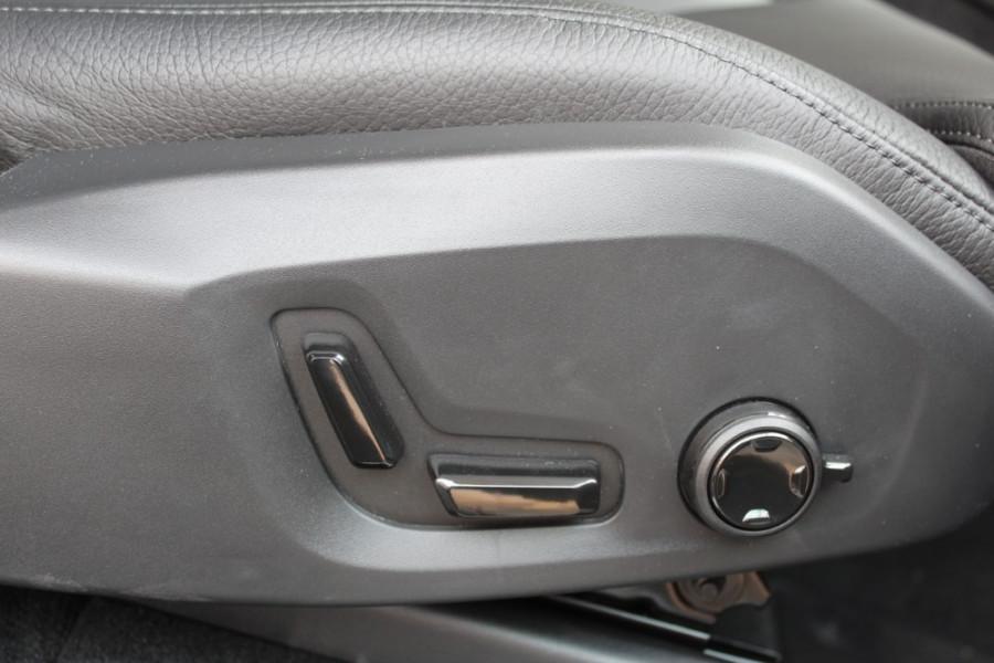 2019 MY20 Volvo XC90 L Series T6 Momentum Suv Mobile Image 8
