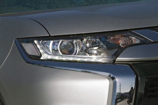 2020 Mitsubishi Outlander ZL MY20 ES Suv Image 15
