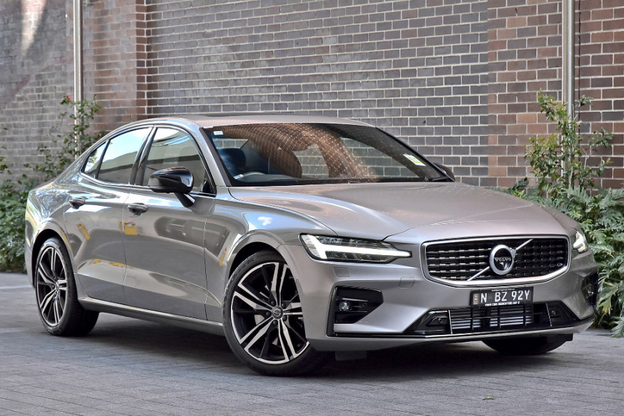 2020 Volvo S60 Z Series T5 R-Design Sedan Mobile Image 1