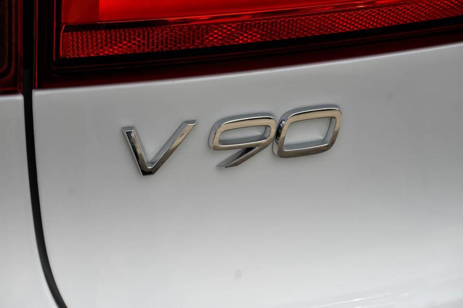 2020 Volvo V90 Cross Country D5 Wagon Image 19