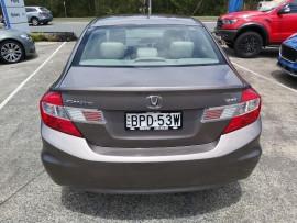 2012 Honda Civic 9th Gen Ser II VTi Sedan image 6