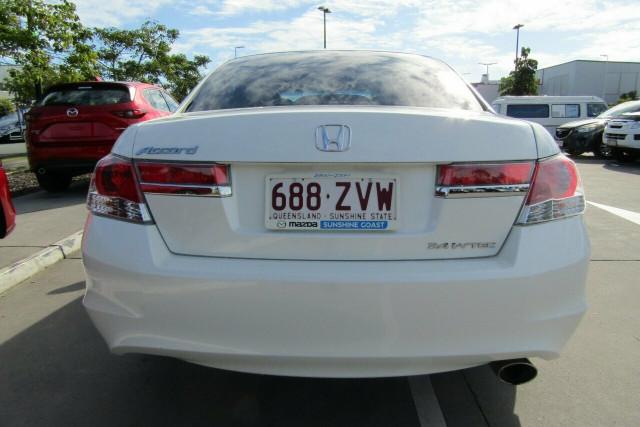 2011 Honda Accord 8th Gen VTi Sedan Image 4