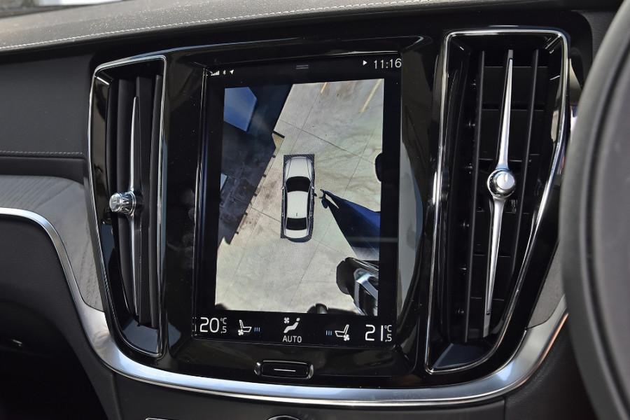 2020 Volvo S60 Z Series T5 Inscription Sedan Mobile Image 18