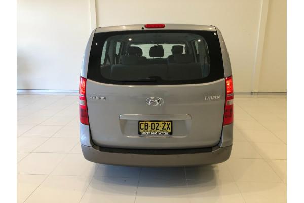 2014 Hyundai Imax TQ-W Wagon Image 5
