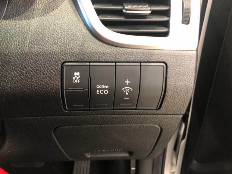 2016 Hyundai i30 GD3 Series II Active Hatchback Image 9