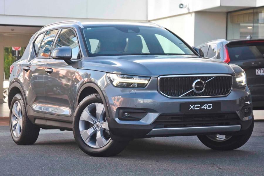 2019 Volvo XC40 T4 Momentum Suv Mobile Image 1