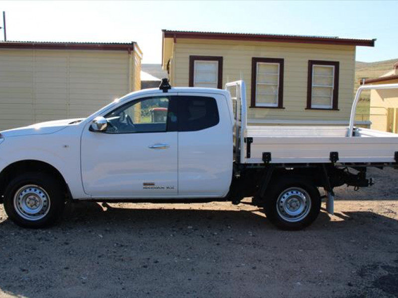2015 Nissan Navara D23 RX Cab chassis - extended cab