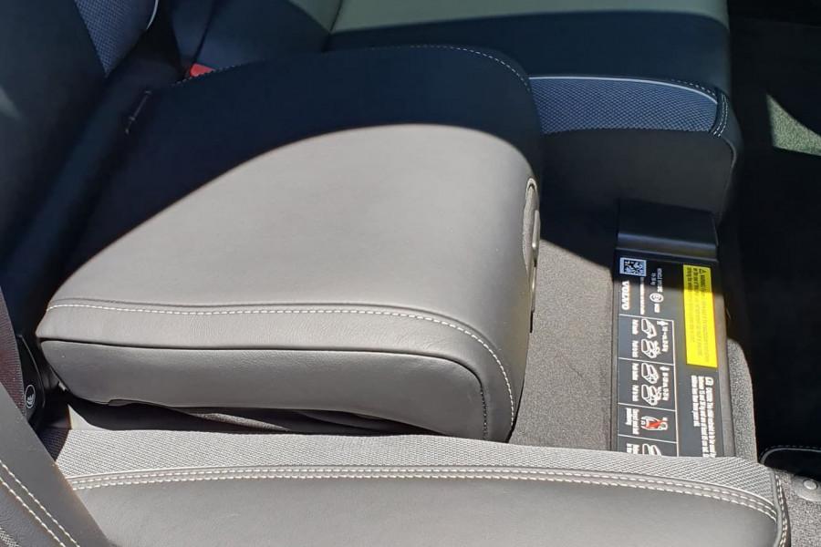2020 Volvo XC60 UZ T6 R-Design Suv Mobile Image 16