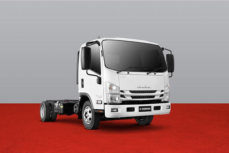 N Series 4,500-7,500kg GVM wide cab