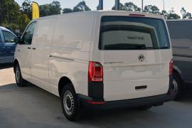 2019 Volkswagen Transporter T6 LWB Crewvan Van Image 4