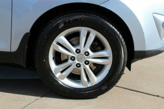 2010 Hyundai ix35 LM Elite AWD Wagon Image 5