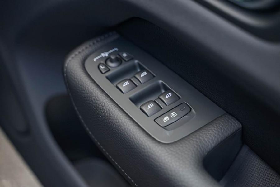 2019 Volvo XC60 UZ T6 R-Design Suv Mobile Image 17