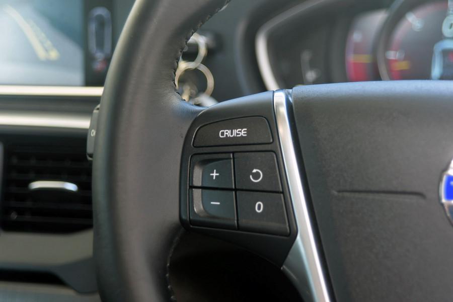 2013 Volvo V40 Vehicle Description. M  MY13 T4 Luxury HBK 5dr AGT 6sp 2.0T T4 Hatchback