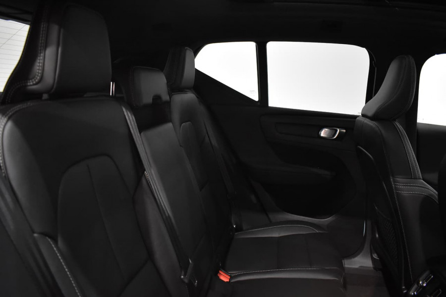 2019 Volvo Xc40 (No Series) MY19 T4 Momentum Suv Mobile Image 8