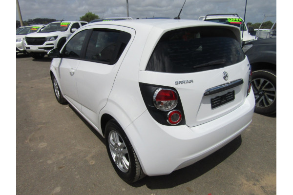 2014 Holden Barina TM MY14 CD Hatchback Image 3