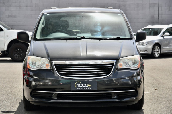 2011 MY10 Chrysler Grand Voyager RT 5th Gen MY10 LX Wagon Image 2