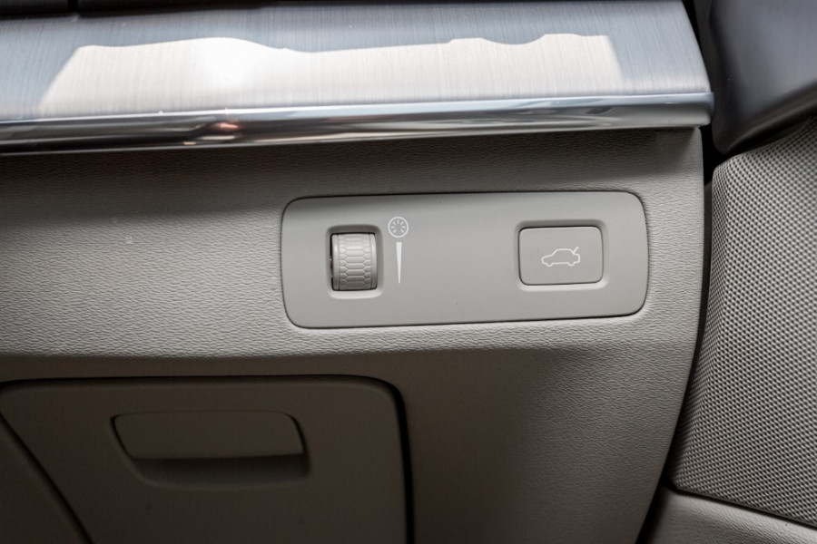 2019 MY20 Volvo XC90 L Series T6 Momentum Suv Image 15