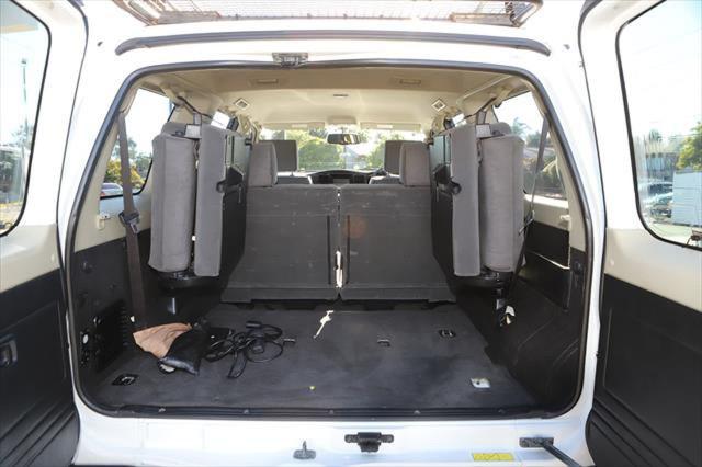 2015 Nissan Patrol Y61 ST N-TREK Suv Image 6