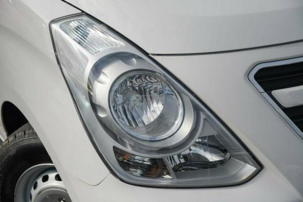2016 Hyundai iLOAD TQ3-V Series II MY16 Van Image 2