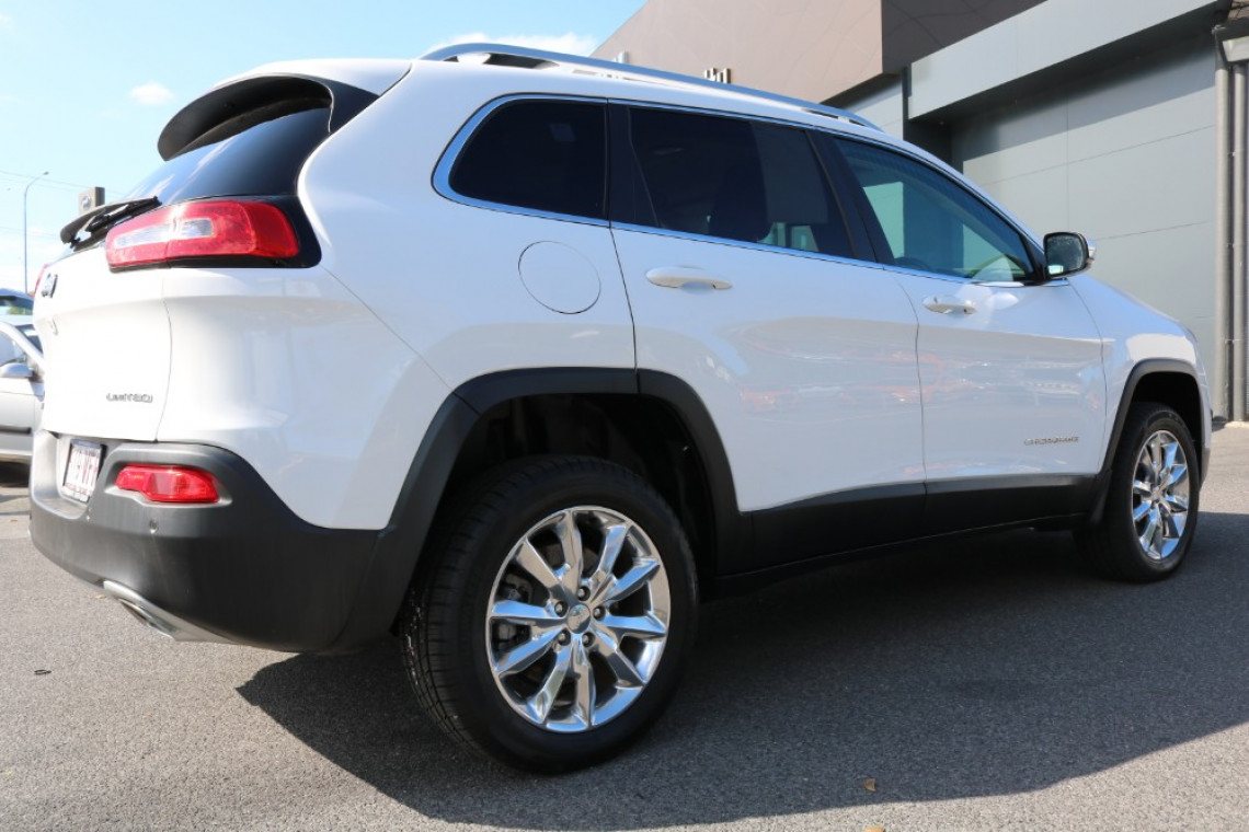 2014 MY15 Jeep Cherokee KL Limited Wagon