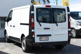 2019 MY20 Renault Trafic L1H1 Trader Life Van Image 3