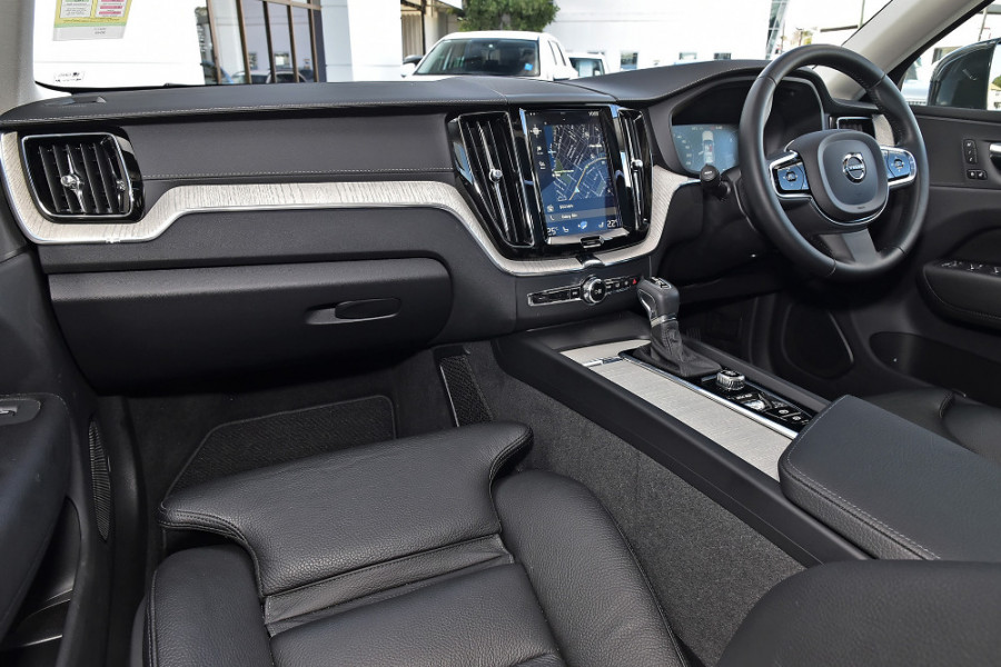 2019 Volvo XC60 UZ D4 Inscription Suv Mobile Image 9
