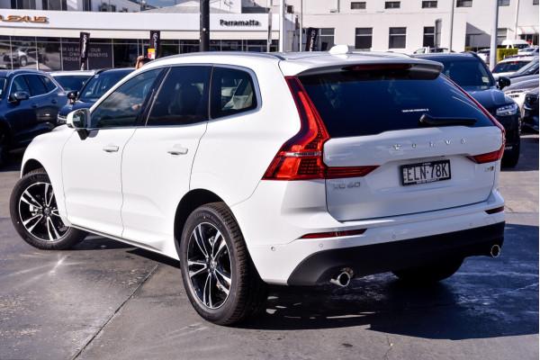 2021 Volvo XC60 UZ D4 Momentum Suv Image 2