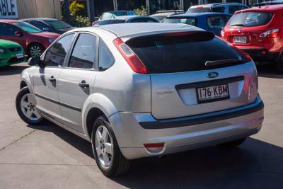 2007 Ford Focus LT LX Hatchback Image 2