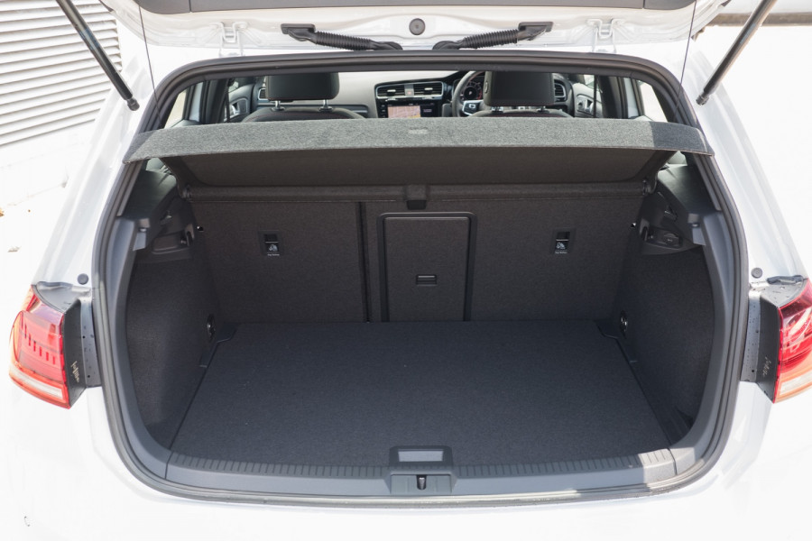 2020 Volkswagen Golf 7.5 GTI Hatch Image 11