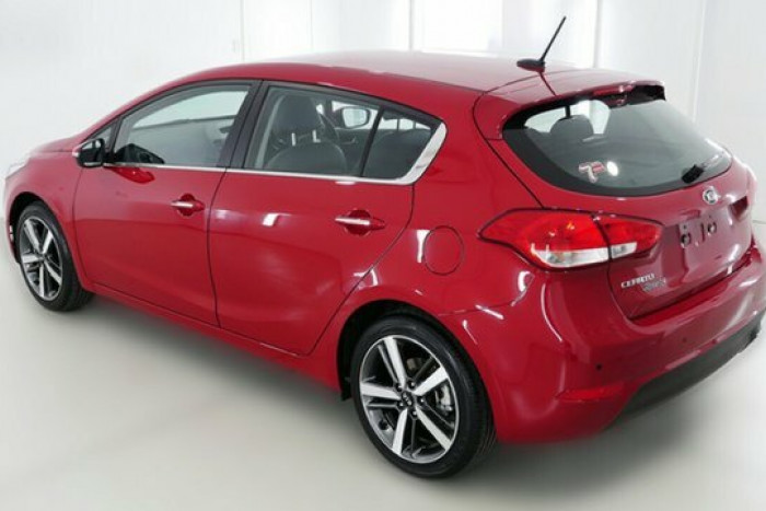 2017 MY18 Kia Cerato Hatch YD Sport + Hatchback