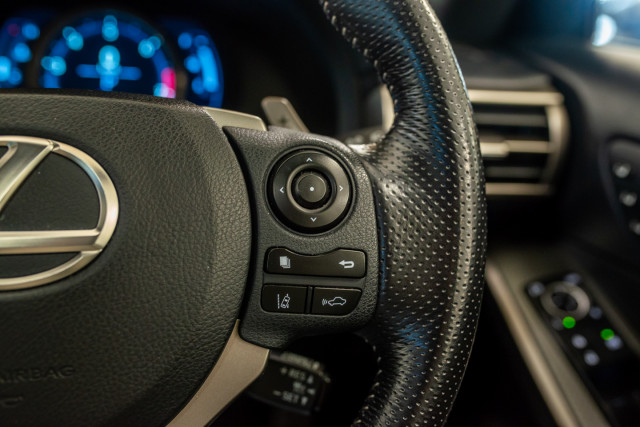 2016 Lexus Is GSE31R 350 F Sport Sedan Image 33