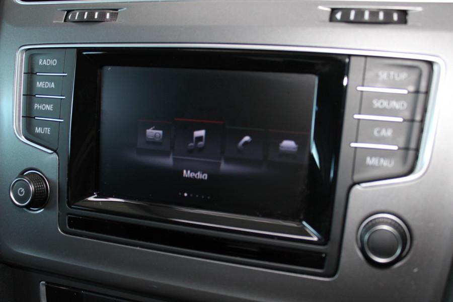 2015 Volkswagen Golf VII  90TSI Hatchback Image 20