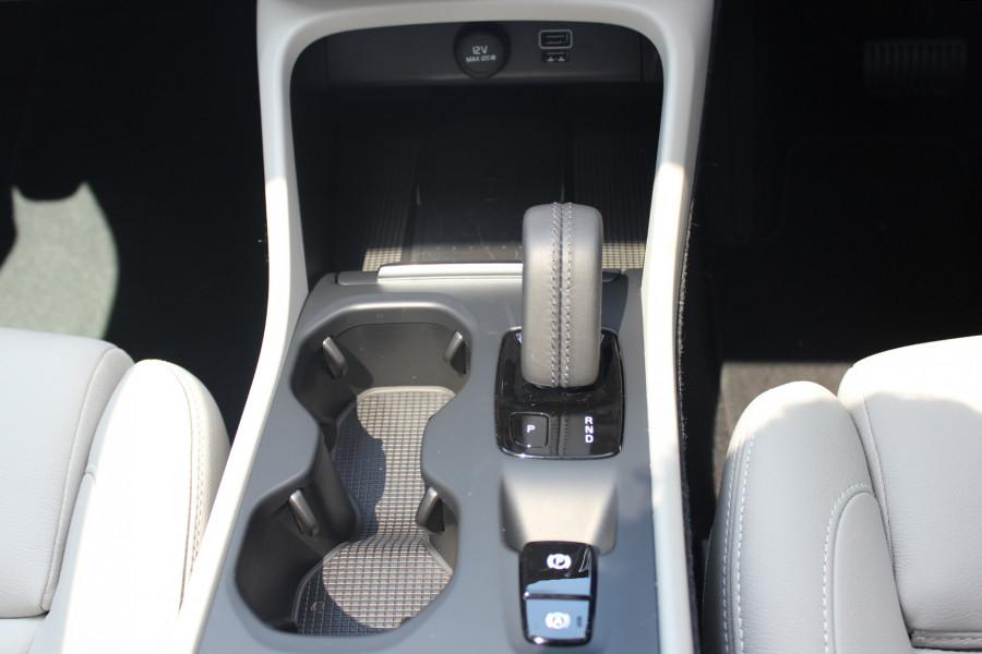 2019 MY20 Volvo XC40 XZ T4 Momentum Suv Image 15